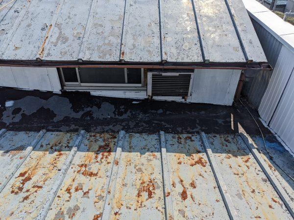 所沢市で板金屋根の葺き替え工事サムネイル